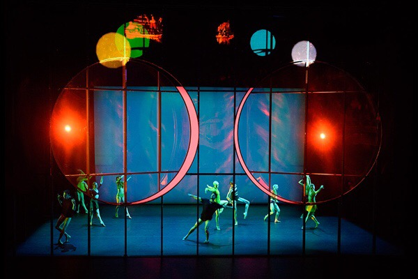 Tree of codes at Sadler's Wells, choreography by Wayne McGregor