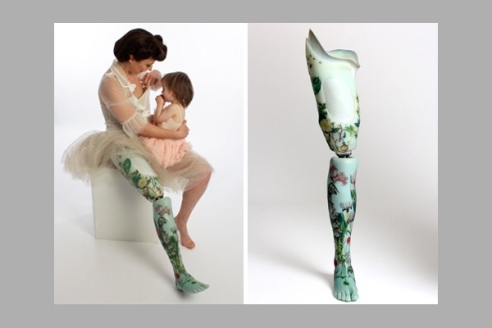 Kiera Roche wearing the Floral Porcelain Leg. Photography by Rosemary Williams. Source: The Alternative Limb Project.